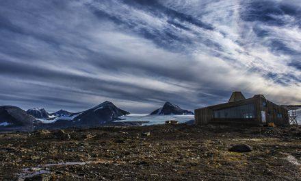 Enjoy Norway's backcountry wonders from the Rabothytta refuge