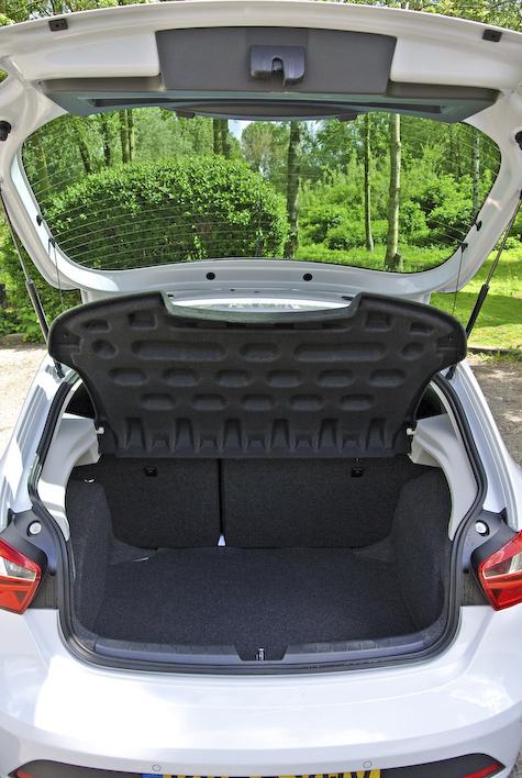 Red Seat Ibiza-4